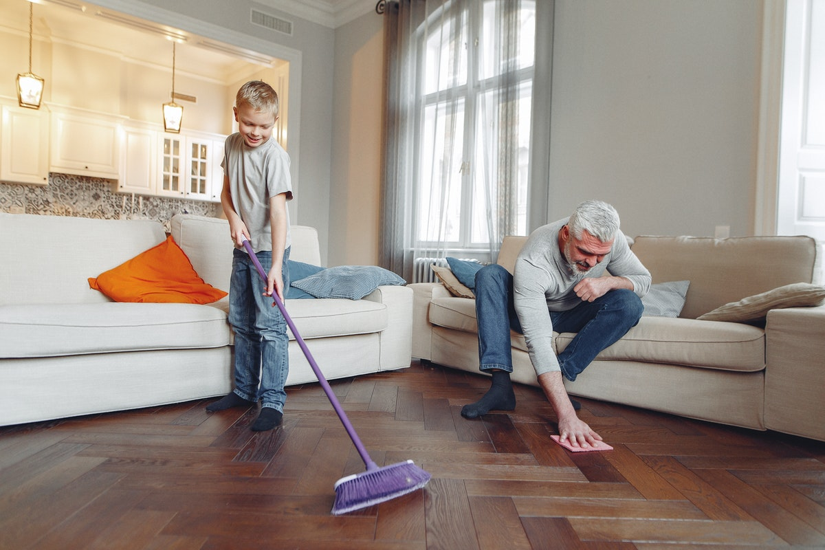 Five Cleaning Safety Tips for Seniors That Live Independently
