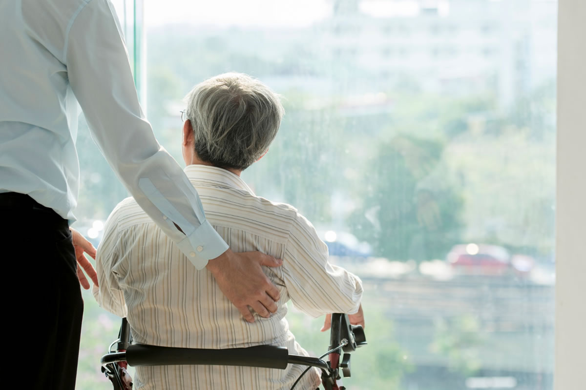 Four Steps to Take When an Older Relative Needs Help